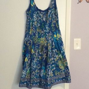 Fun printed dress with pockets!